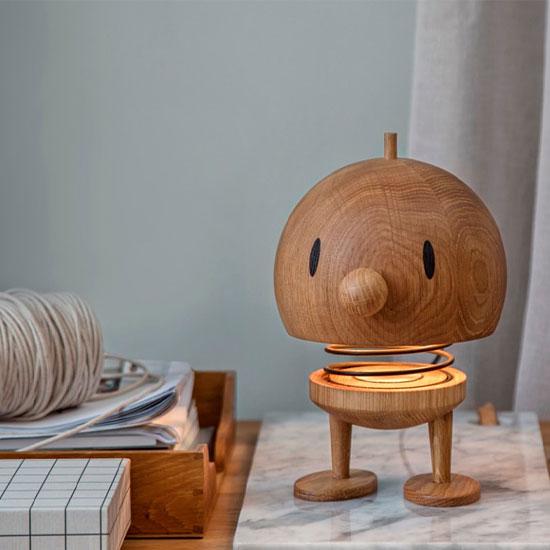 """LED-Tischlampe """"Bumble L"""", Version in Eiche, dimmbar - Design Gustav Ehrenreich"""